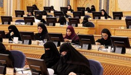 """شوريّات يطالبن بفقيهات في """"الإفتاء"""" والحد من 115 حالة طلاق أسبوعية"""