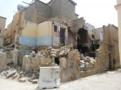 """بالصور .. منزل آيل للسقوط يهدد حياة الأهالي في حي """"الرفعة"""" بالهفوف ."""