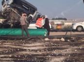 بالصور.. حادث كارثي بطريق الدمام – #الأحساء ..وسائق الشاحنة بين الحياة والموت