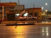 "بالصور … اصطدام ""هايلوكس"" بصراف آلي ينقذ محطة وقود من كارثة !"