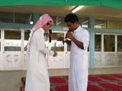 """ضمن برنامج """"نبراس"""" .. متوسطة """"الملك عبدالعزيز"""" تقيم مسرحية فكاهية هادفة"""
