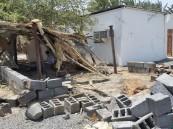 بالصور.. استشهاد طفل وإصابة 3 مقيمين إثر مقذوف من داخل الأراضي اليمنية