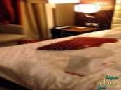 بالفيديو.. خليجي يطالب فندقاً شهيراً في دبي بـ 5 ملايين درهم بسبب فيديو الكاميرات السرية