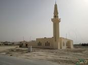 """بالصور.. مشكلة تؤرق رواد مسجد حي """"سلطانة"""" بالعيون منذ تأسيسه"""