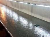 بالصور ..غزارة الأمطار تغرق السيارات وتغلق 3 أنفاق في #الشرقية