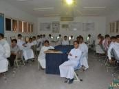مدرسة دار الهجرة المتوسطة تنفذ برنامجها للسلامة المرورية