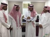 """قائد مركز ابتدائية الملك فيصل الليلية يزور مدير تعليم الكبار """"الكنعان"""""""