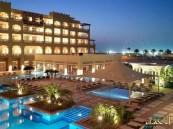 في محاولة منها للخروج من الأزمة.. فنادق قطر تعلن عن إقامة مجانية بها لهؤلاء!