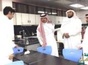 المساعد التعليمي والمشرف العام لنظام المقررات في زيارة لثانوية الإمام النووي