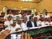 بالصور .. أهالي الأحساء يقدمون واجب العزاء بعميد الفن الخليجي