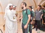 استعدادًا لمواجهة الأبيض الاماراتي المنتخب السعودي يصل مدينة العين