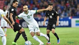"""مدافع تايلاند يوجه رسالة إلى السعوديين بعد تأهل """"الأخضر"""""""
