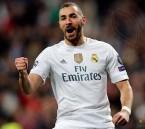 ريال مدريد يمدد عقد مهاجمه الفرنسي كريم بنزيمه حتى 2021