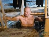 شاهد.. بوتين يغوص في مياه بحيرة متجمدة والسبب!!