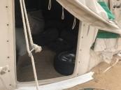 """بالصور… مداهمة تطيح بـ""""مخيم للتفحيط"""" قرب مطار الأحساء !!"""