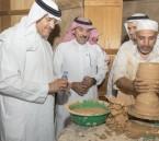"""الأمير سلطان بن سلمان يعزي أسرة الغراش بالأحساء في وفاة الحرفي """"الغراش"""""""