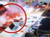 """شاهد… لحظة انفجار """"آيفون"""" بوجه شابة وهكذا علّقت شركة """"آبل"""" على الحادث!!"""