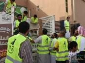 بالصور… العيون الخيرية تبدأ توزيع ٦٠٠ سلة رمضانية بمشاركة أكثر من ٥٠ متطوع