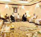 """بالصور… مجلس """"العويفير"""" يستقبل المهنئين بعيد الفطر المبارك"""