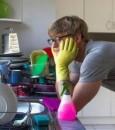 للرجال.. الأعمال المنزلية تؤخر شيخوختك 30%