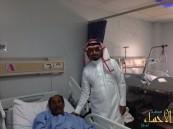 إدارة مركز الأمير سلطان يعايدون مرضاهم