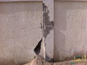 بالصور… سور مقبرة الطرف القبلية في خطر