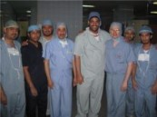 جراح أمريكي يزور الفهد ويجري عملية نادرة
