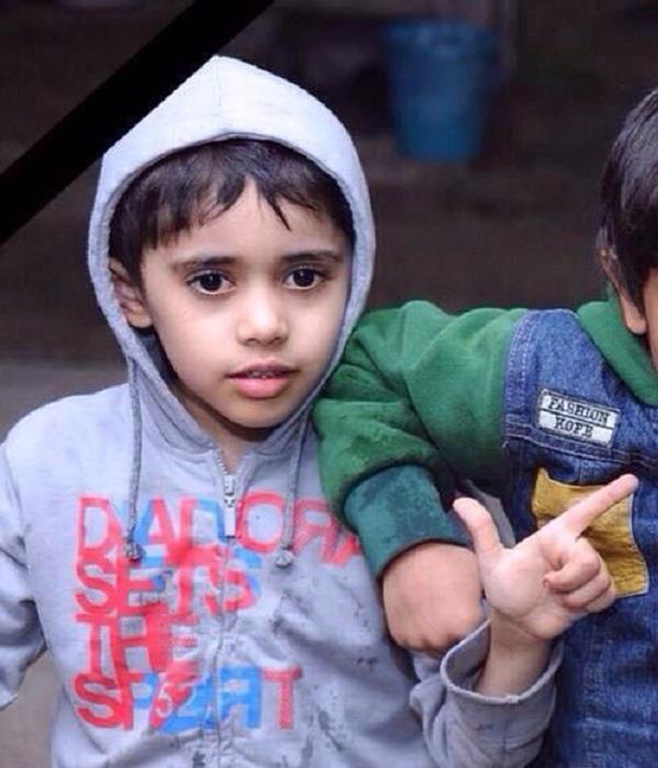 """بالصور… """"حيدر"""".. الطفل الذي والده"""