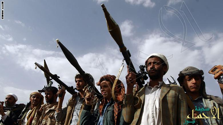 TOPSHOT - Armed tribesmen, loyal to the Shiite Huthi rebels, brandish their weapons at a gathering in the capital Sanaa to mobilize more fighters to battlefronts to fight pro-government forces in several Yemeni cities, on June 20, 2016. The Shiite Huthi rebels and their allies overran the capital Sanaa in September 2014 and went on to seize control of several regions, forcing President Abedrabbo Mansour Hadi to flee to Saudi Arabia.   / AFP / MOHAMMED HUWAIS        (Photo credit should read MOHAMMED HUWAIS/AFP/Getty Images)