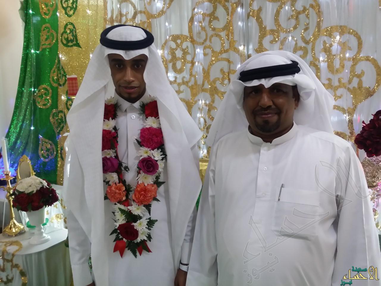 العريس مع عمه أبو زوجته