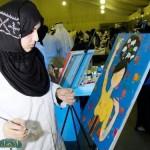 مريم بوخمسين... فتاة ثائرة بفرشاة جاءت لتنصف المرأة