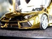 بالصور . مجسم لسيارة لامبورجيني من الذهب والأحجار الكريمة بـ 7.3 مليون دولار بدبي
