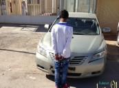 دوريات الرياض تطيح بلصين ارتكبا جرائم سرقة سيارات ومكاتب تأجر سيارات