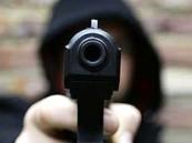 في الأحساء… مواطن يشهر السلاح على رجل أمن أثناء تأدية عمله !!