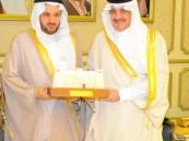 الأمير سعود بن نايف يكرم بر الأحساء