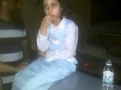 العثور على طفلة بعد سرقة سيارة كانت بداخلها في جدة