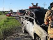 "أمريكي ""خارق"" يثني باب سيارة تحترق لينقذ سائقها"