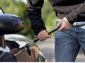 لص يفشل في سرقة 15 ألف ريال من سيارة مواطن بالرياض
