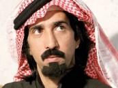 """فايز المالكي يتبرع بـ """"بنتلي"""" الوليد لطفل فقد أسرته (فيديو)"""