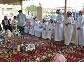 """بالصور جامع """"حفيظ المري"""" يقيم حفل معايدة لجماعة الحي"""