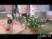 بالفيديو .. مخترع سعودي يعالج مشاكل المكيفات الصحراوية