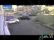 بالفيديو … فتاة روسية تقود سيارتها بطريقة (كارثية)