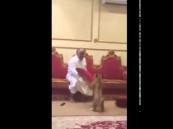 """بالفيديو … سعوديون يطلقون أسد على عجوز مصري من أجل """"مرسي"""""""