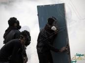 """صدامات بين الشرطة البحرينية و محتجون على اعتقال """"السلمان"""""""