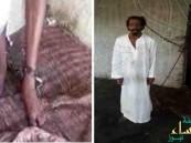 """بالصور… سعودي يعيش مقيداً بـ """"السلاسل"""" منذ 28 عاماً"""