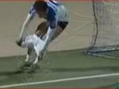 بالفيديو… لاعب مغربي يخلع سرواله احتفالاً بتسجيل هدف