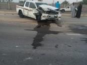 """بالصور… حادث سير بطريق """"سلوى"""" يصيب ثلاثة مواطنين"""