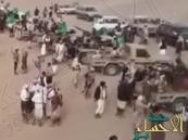 """بالفيديو.. مسيرة عسكرية لقبائل شبوة دعماً لـ""""عاصفة الحزم"""""""