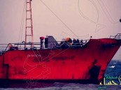 إيران تختطف سفينة على متنها 34 بحارًا أمريكيًا
