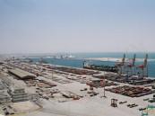 ميناء الدمام يوقف حركة السفن بسبب الأحوال الجوية